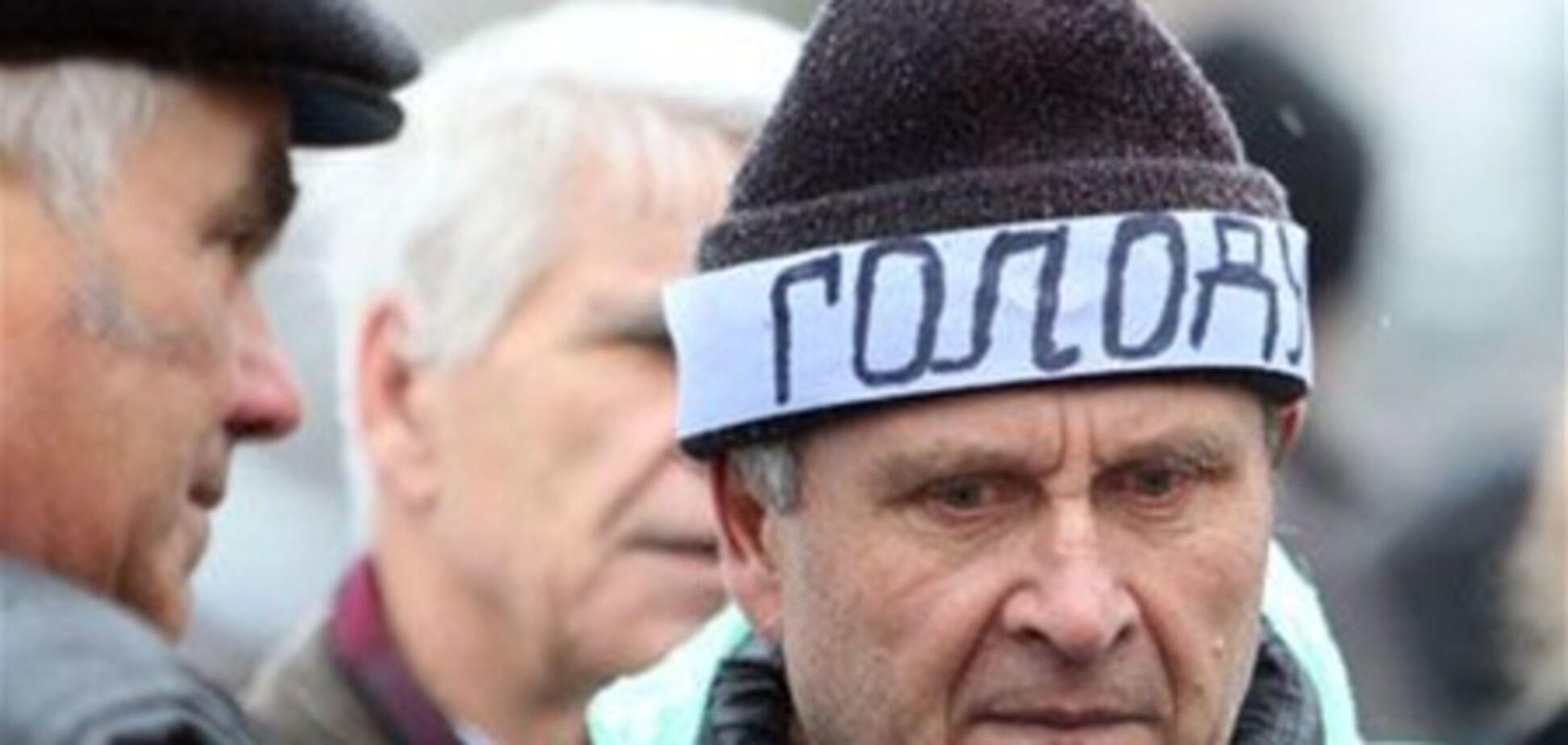 Чернобыльцы под Кабмином прекратили голодовку и разъехались по домам