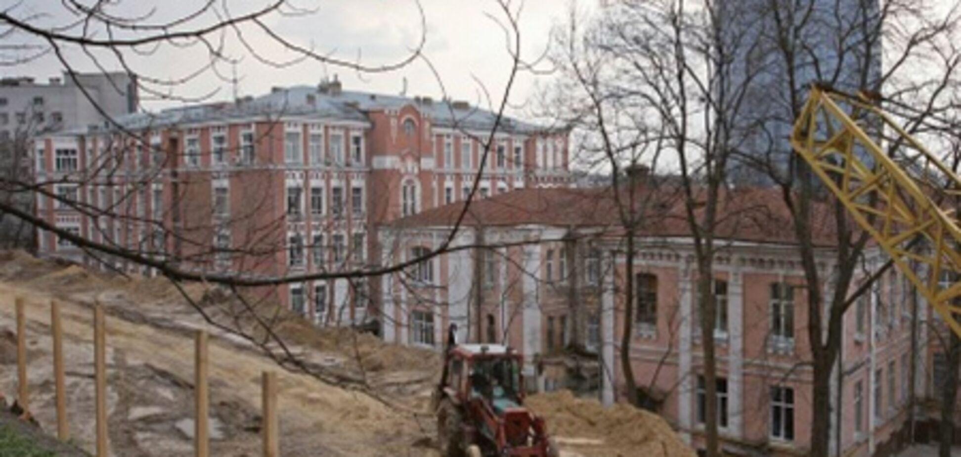 К Новому году в Александровской больнице появятся палаты с душем и балконом