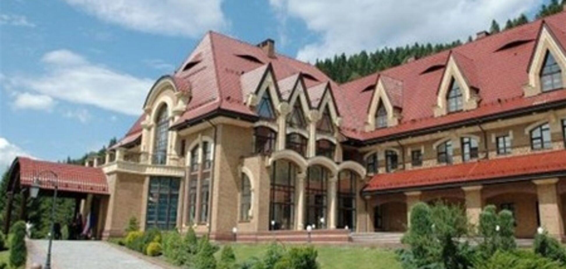 У резиденції Януковича влаштували колосальний ремонт