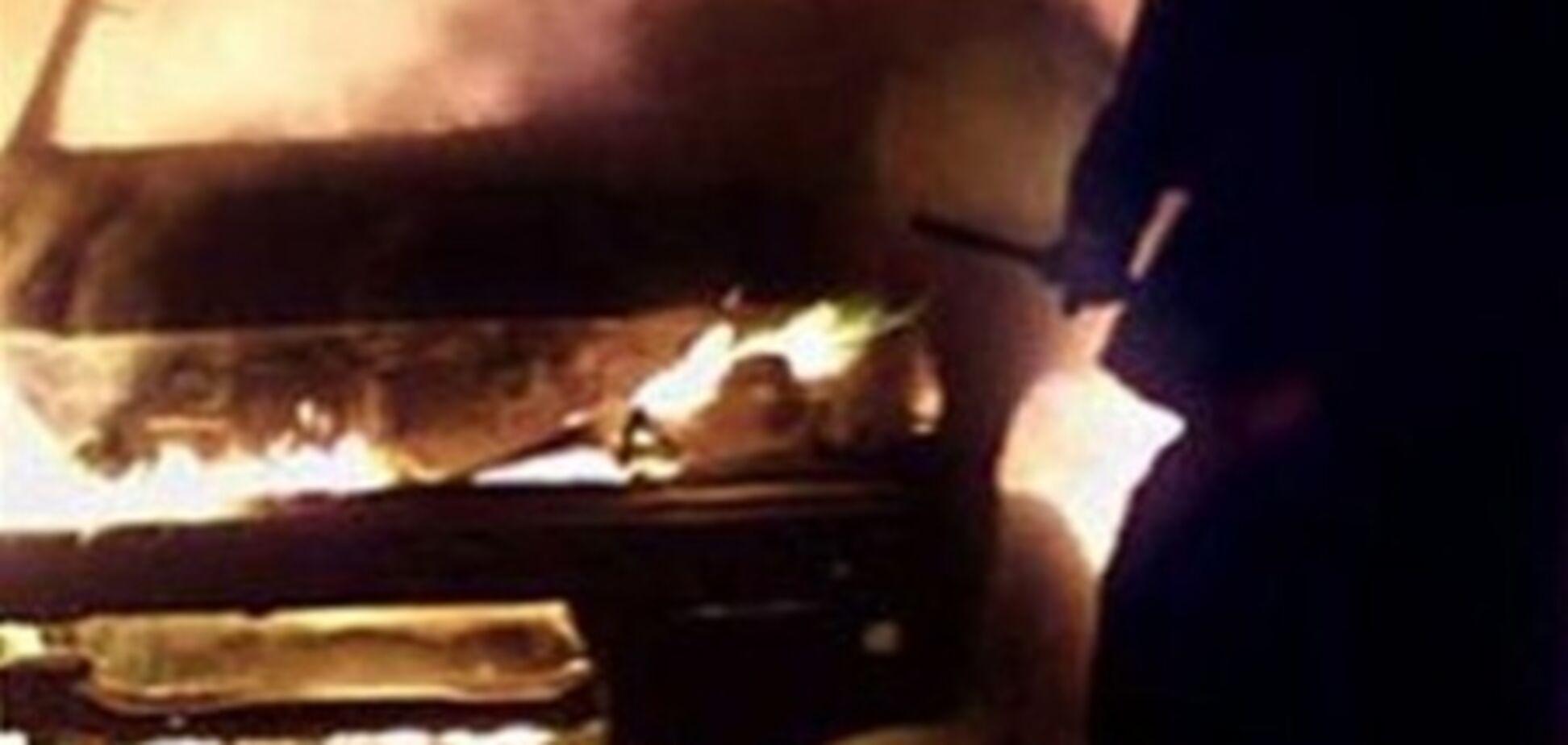 Maybach за $ 500 000 спалили на очах у господаря і зняли на відео