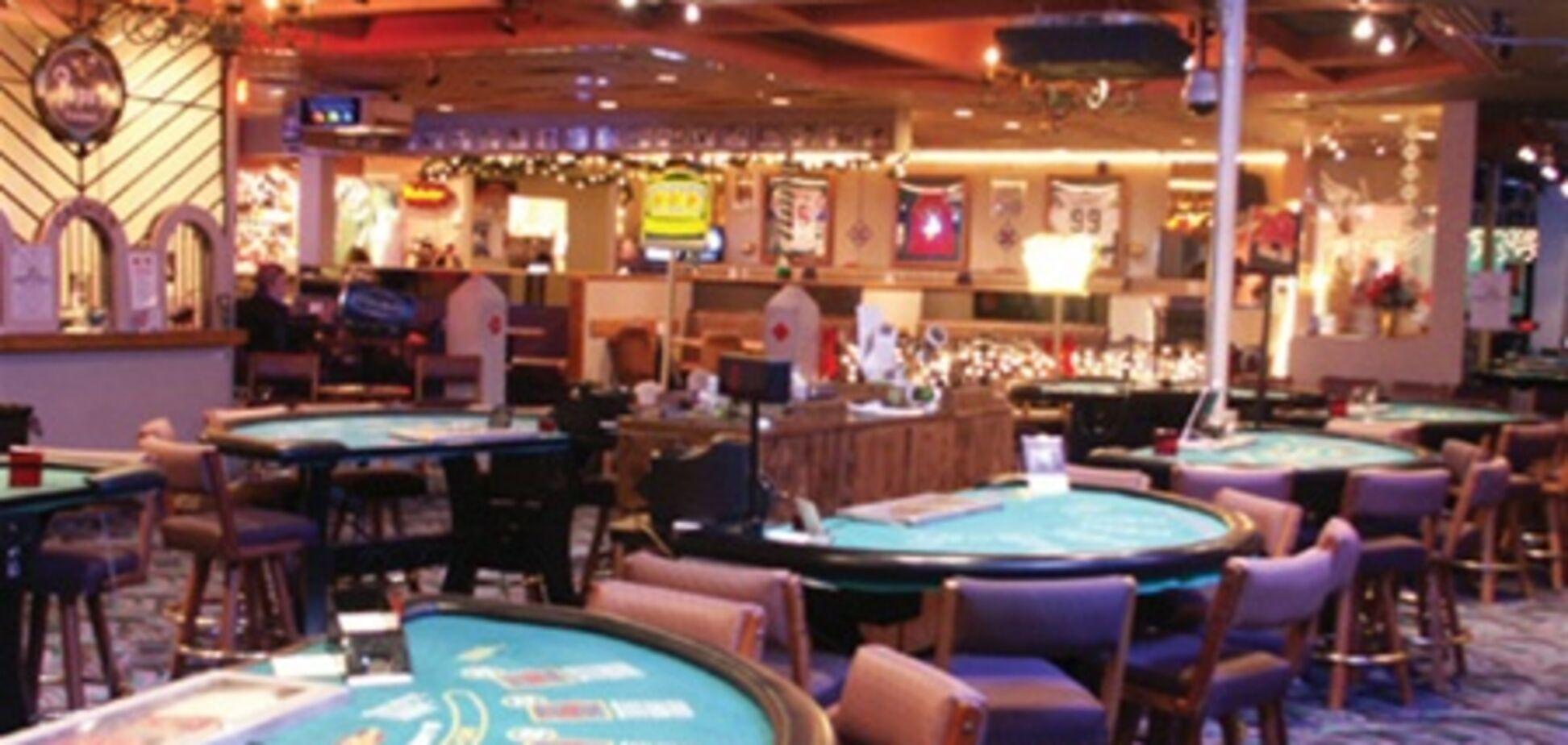 Ограбивший казино преступник стал его почетным посетителем