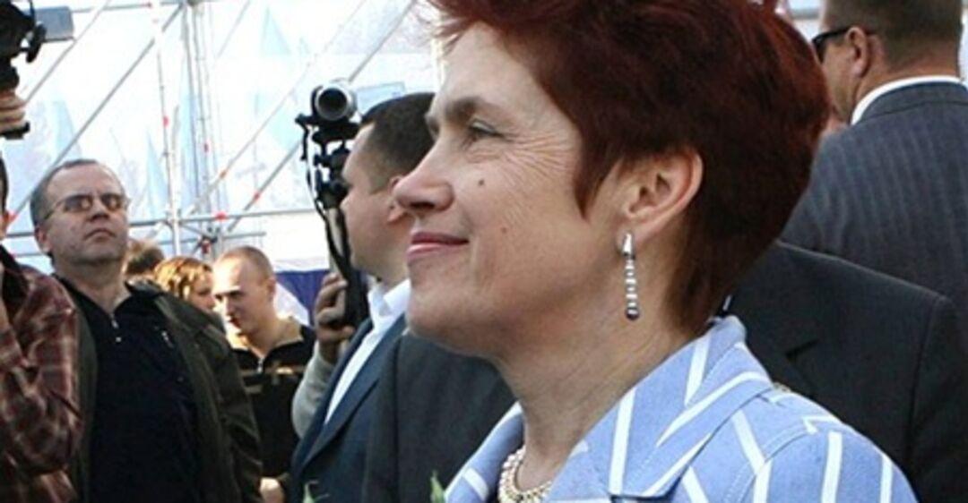жена януковича фото зашел