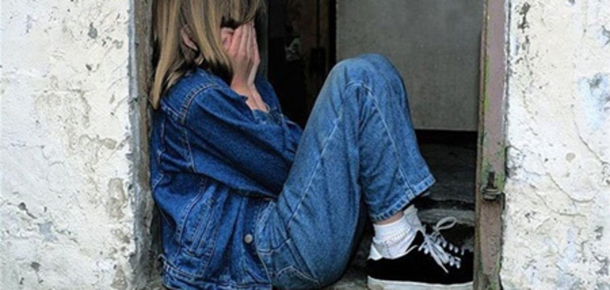 Педофіл згвалтував 12-річну дівчинку в шкільному коридорі