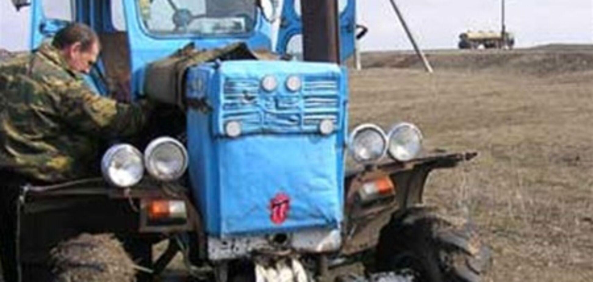 У Херсоні провалився під землю трактор