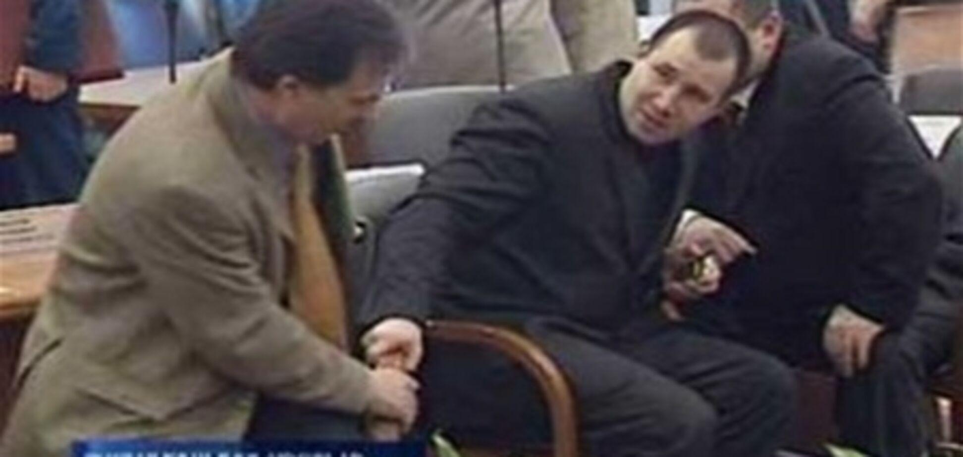 Обвинуваченого у педофілії депутата затримали при спробі з'їздити на курорт
