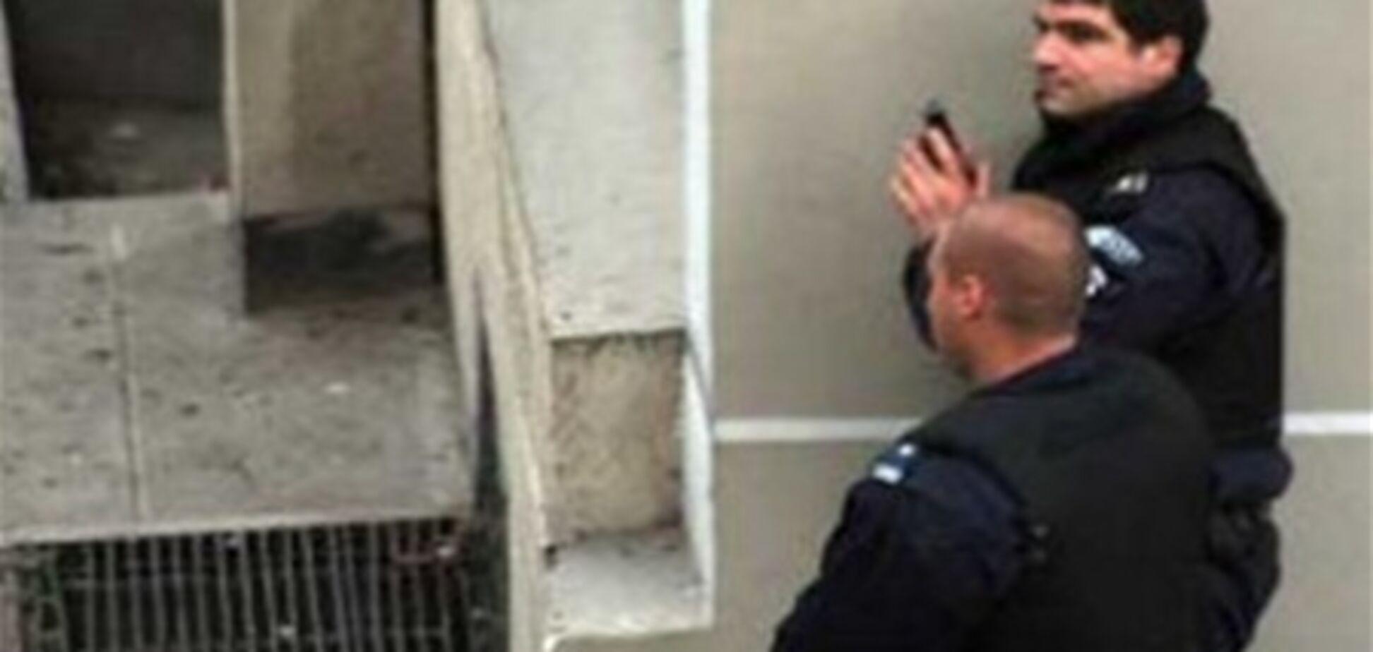 У Болгарії озброєний грабіжник взяв у заручники співробітників банку
