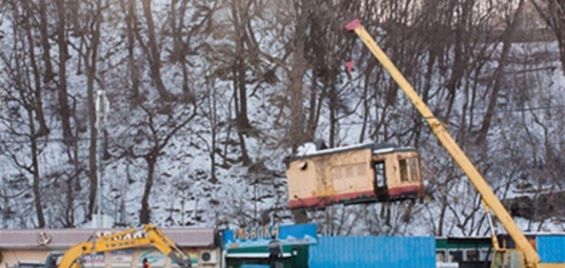 В Киеве уничтожили ретро-вагон