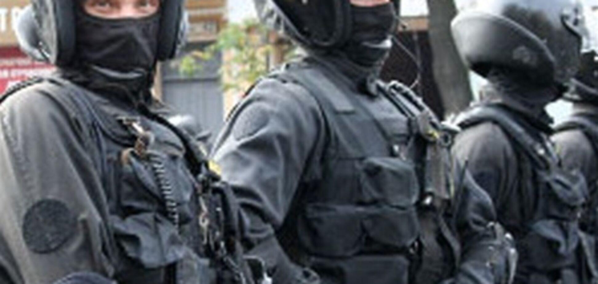 Во время задержания трое молодчиков сломали позвоночник 'беркутовцу'