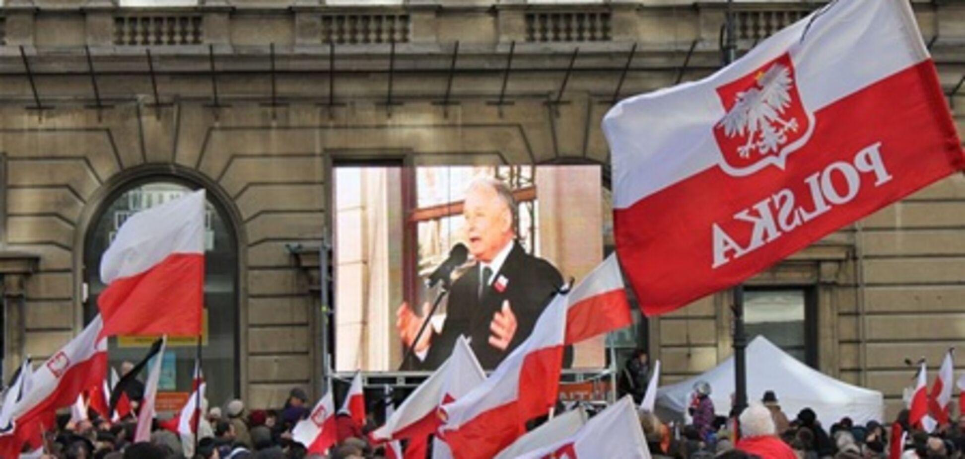 Поляки поссорились в годовщину гибели Качиньского. Репортаж из Варшавы