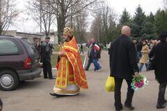 Утвержден график поминальных дней на кладбищах Киева