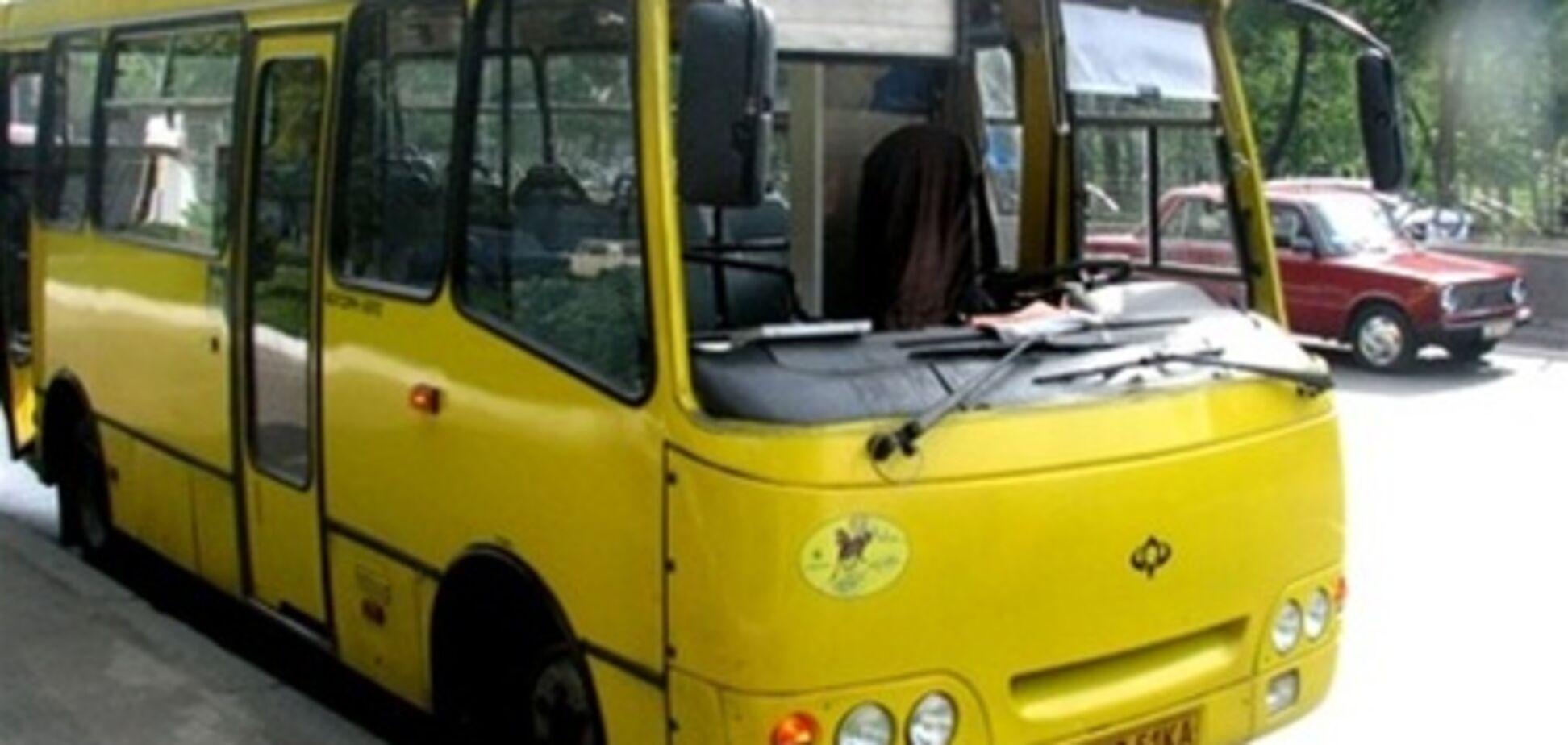 Знахабнілі водії маршруток не зважають на пасажирів