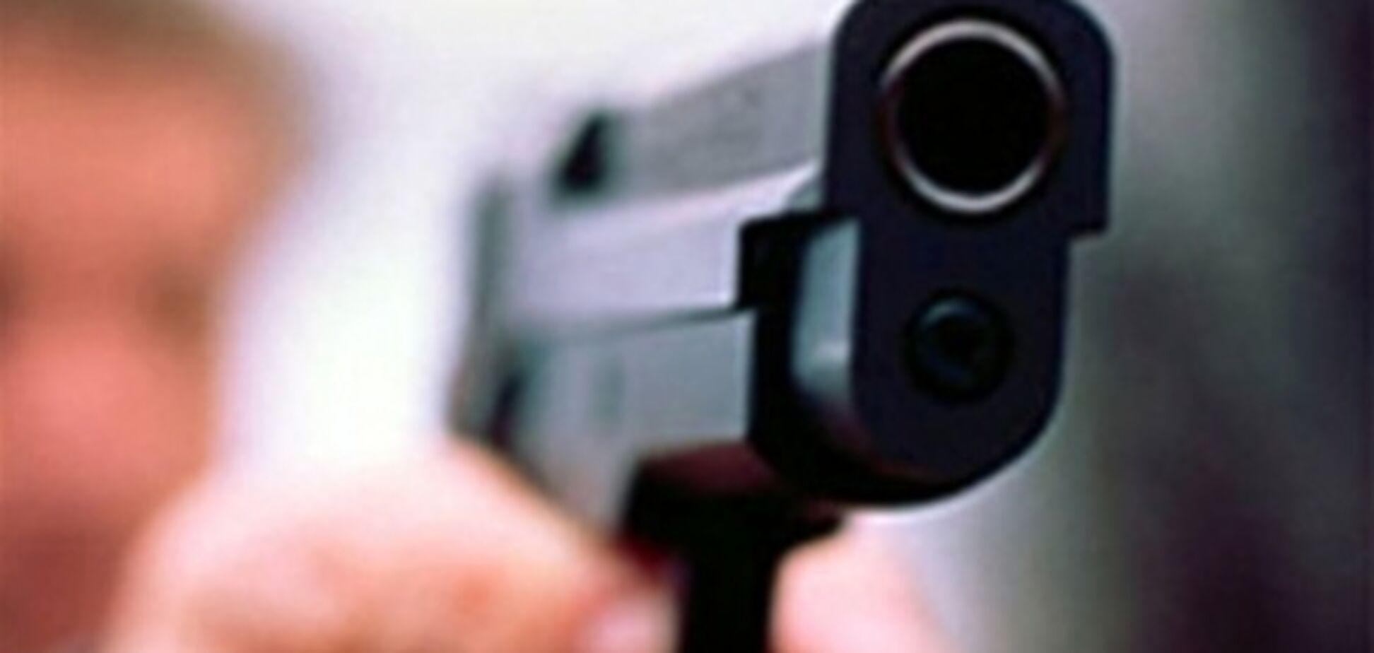 В Москве гражданин США ножом убил жену и бросился с 15 этажа