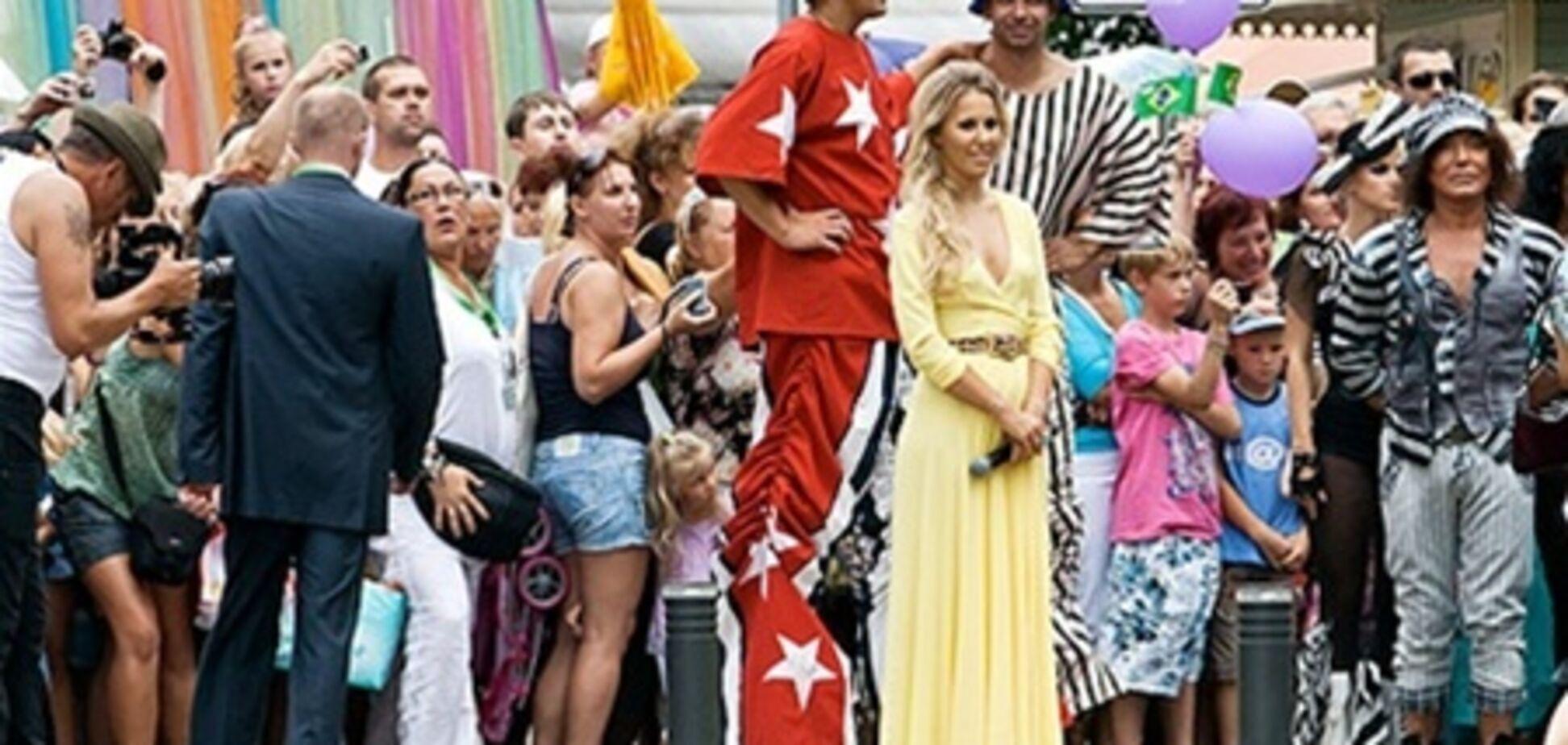 'Новая волна' началась с б/у платья Собчак, автокаров и скандала