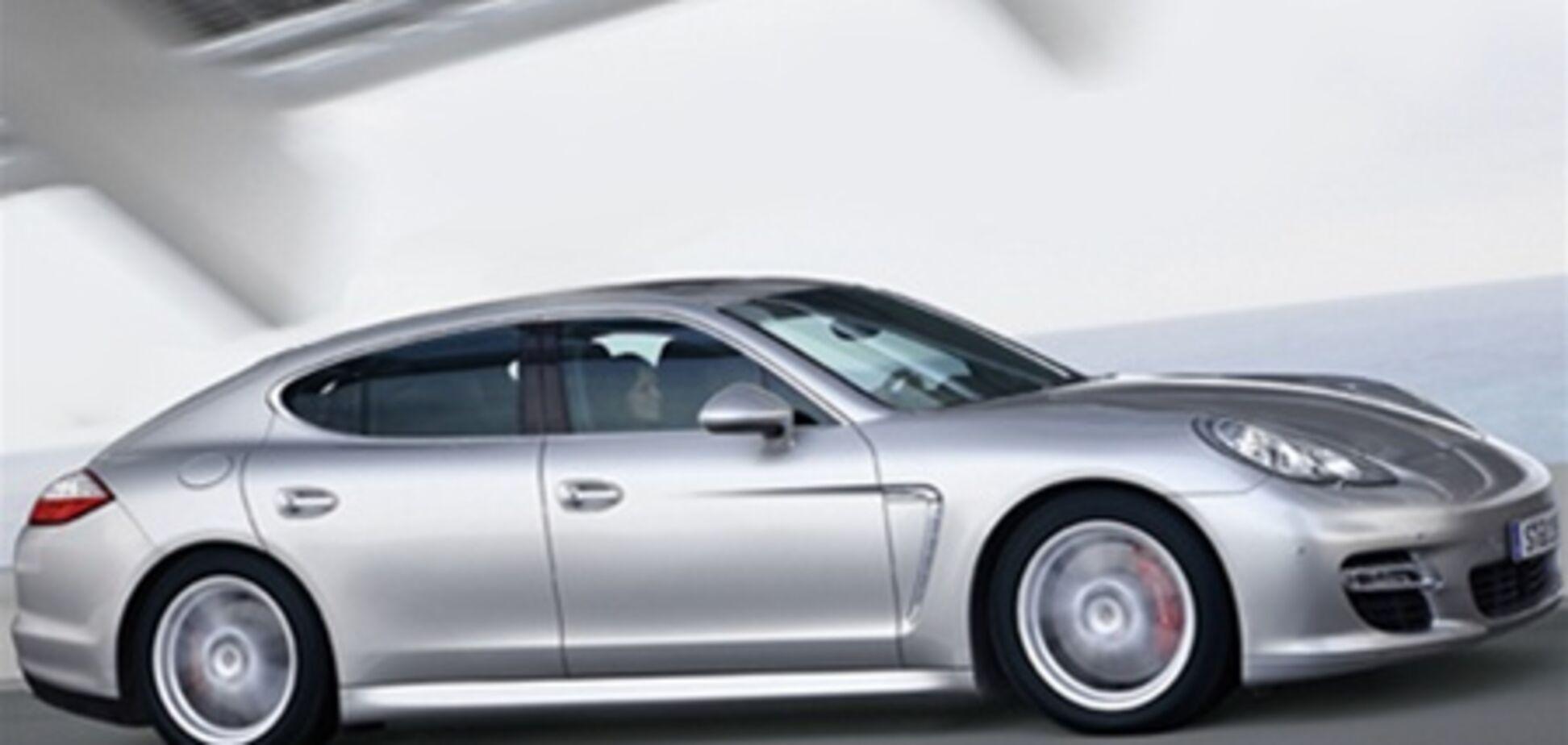 В следующем году появится удлиненный Porsche Panamera