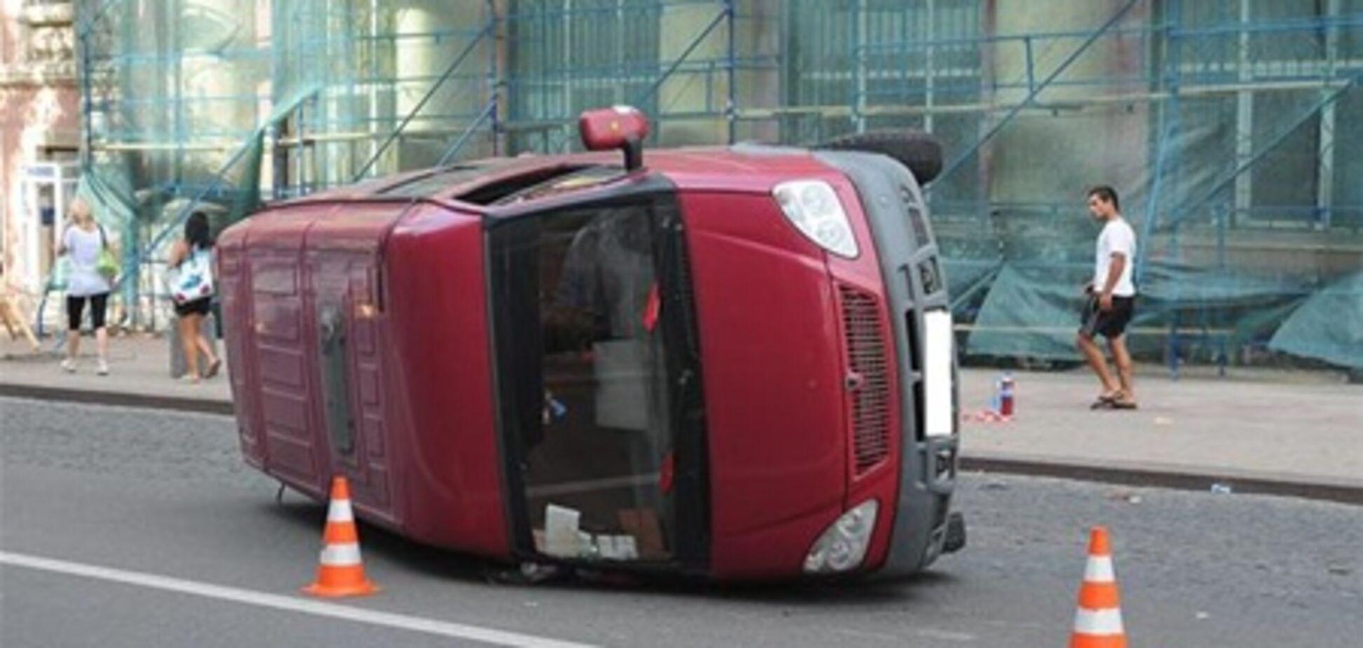 Kia Sportage швырнула 'Газель' прямо в пешеходов на «зебре»