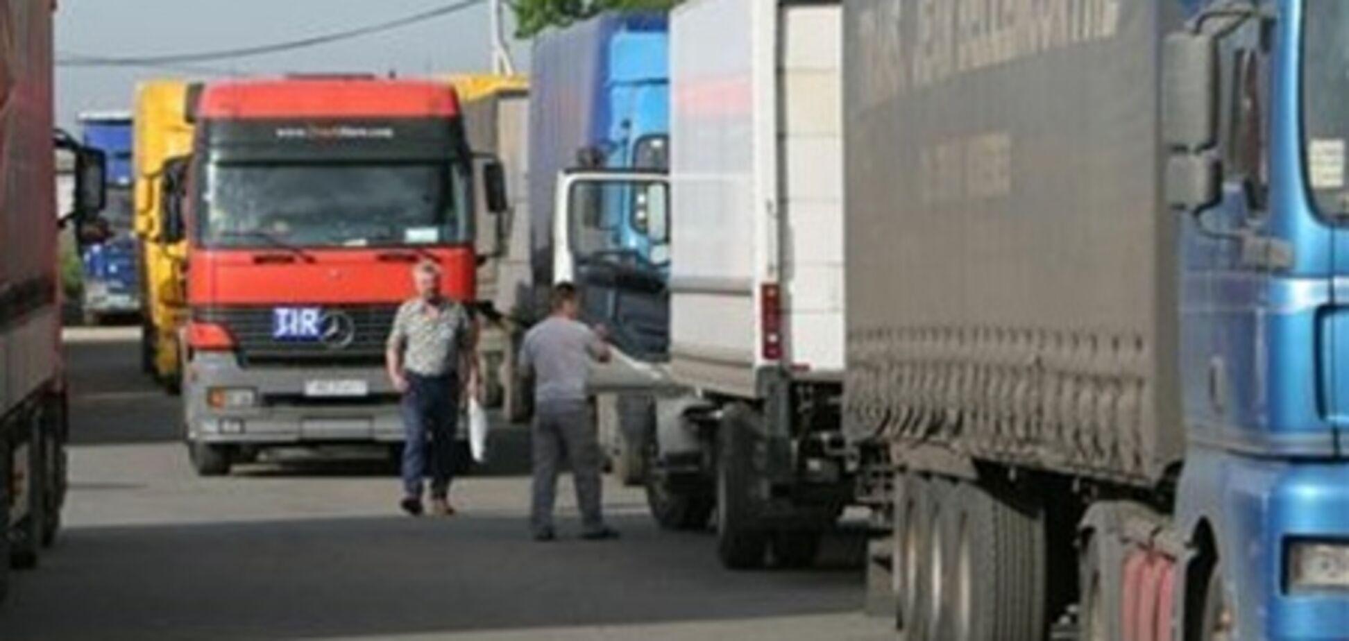Грузовики будут пускать в Киев по расписанию
