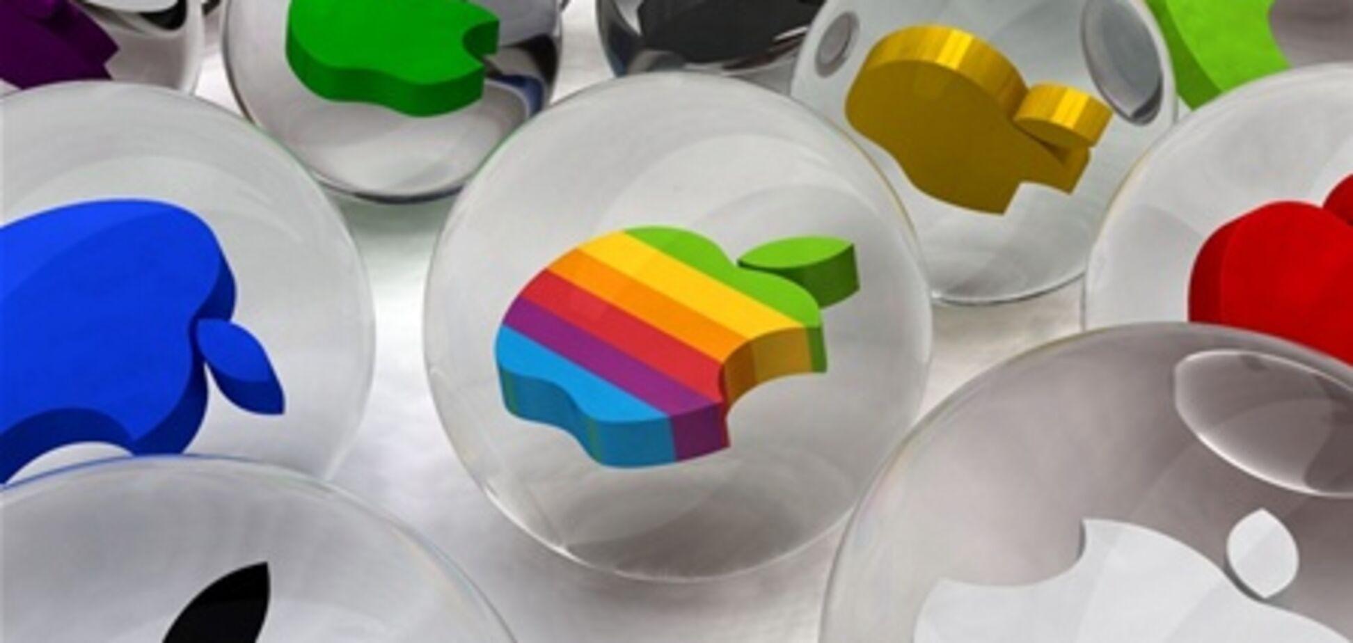 Apple по капитализации приближается к стоимости нефтяного гиганта