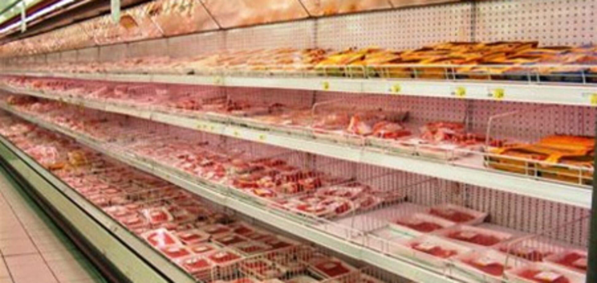 Дніпропетровськ. З супермаркетів тоннами вилучають м'ясо і рибу