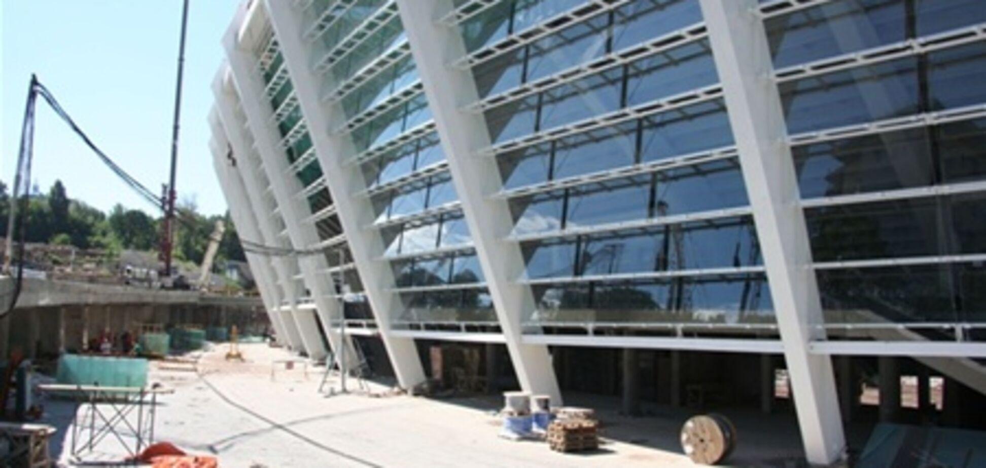 Остекление фасада и монтаж мембраны 'Олимпийского' (ФОТО)