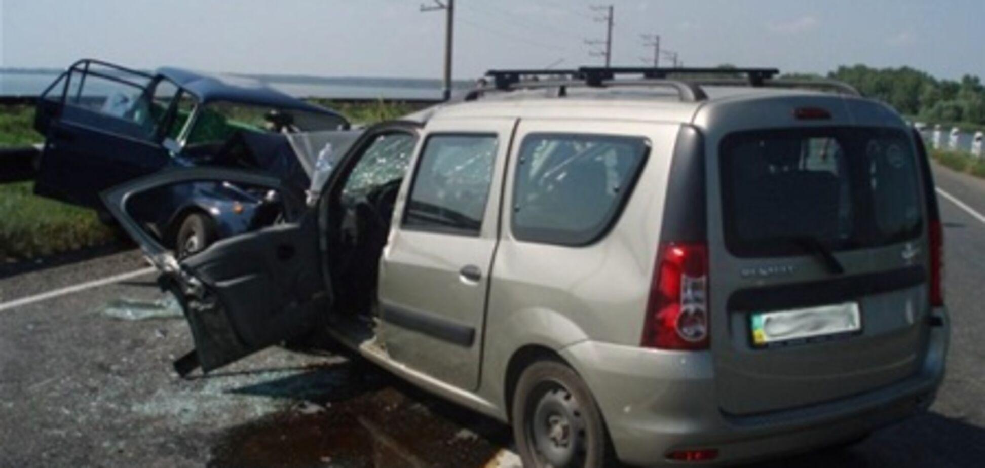 Водитель «Рено» уснул за рулем (подробности аварии в Черкассах, унесшей жизни двух человек)
