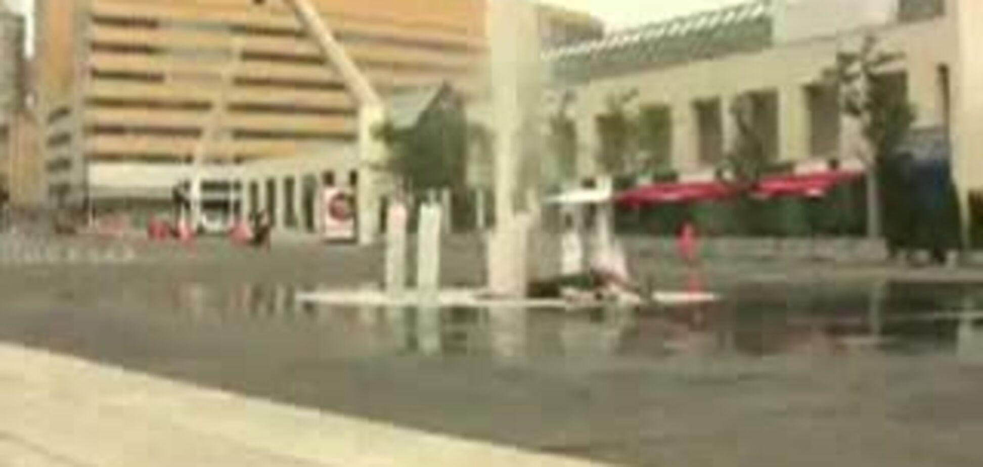 Скейтер против фонтана