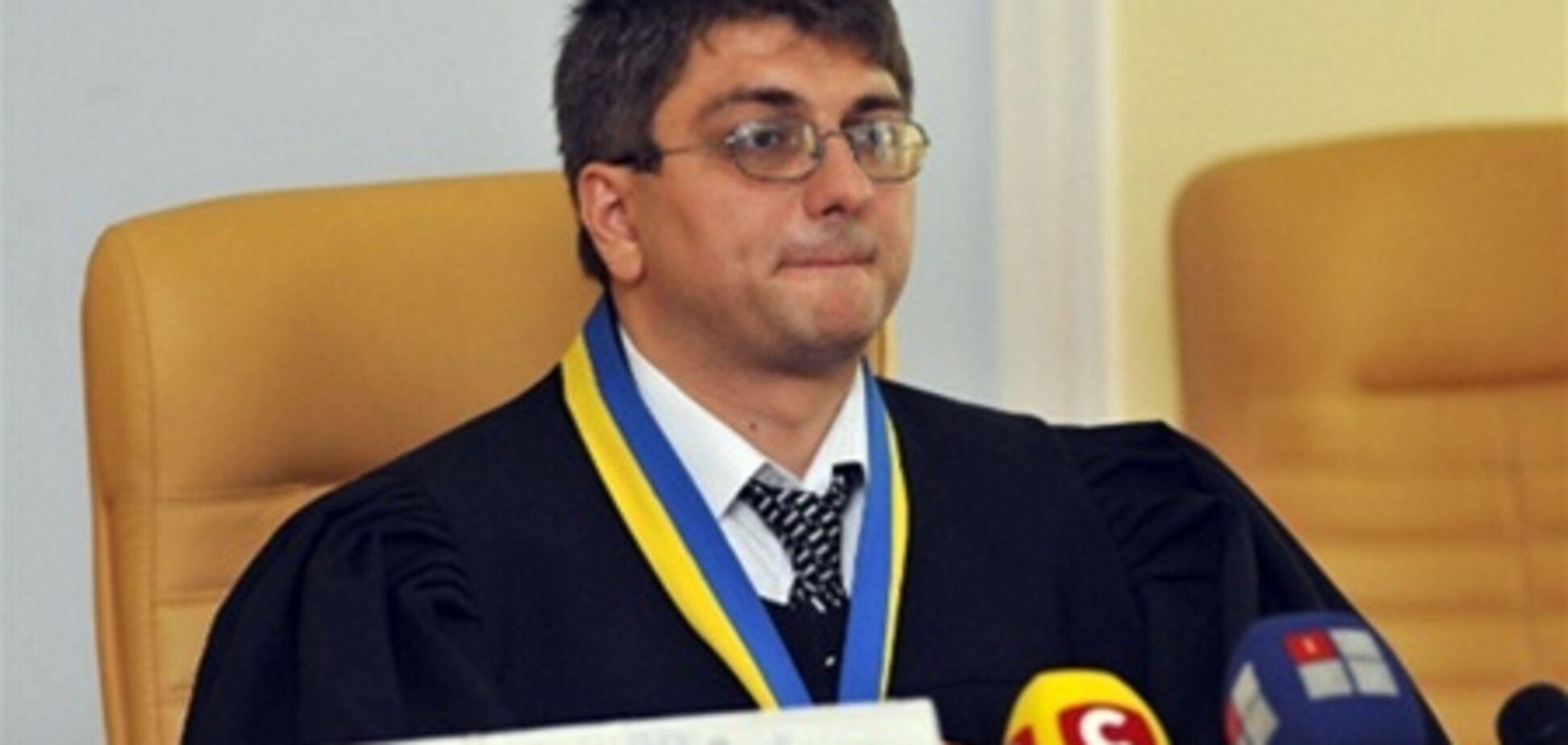 Свидетели по делу Тимошенко свободно общаются в коридоре суда