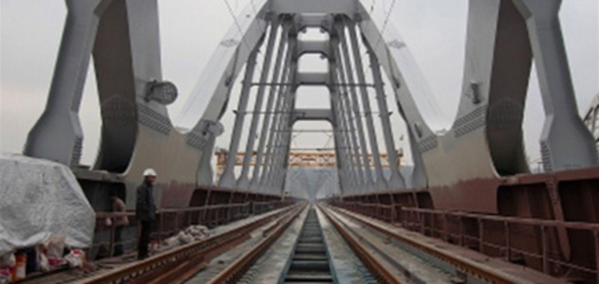 В Киеве перекрыли мост Кирпы