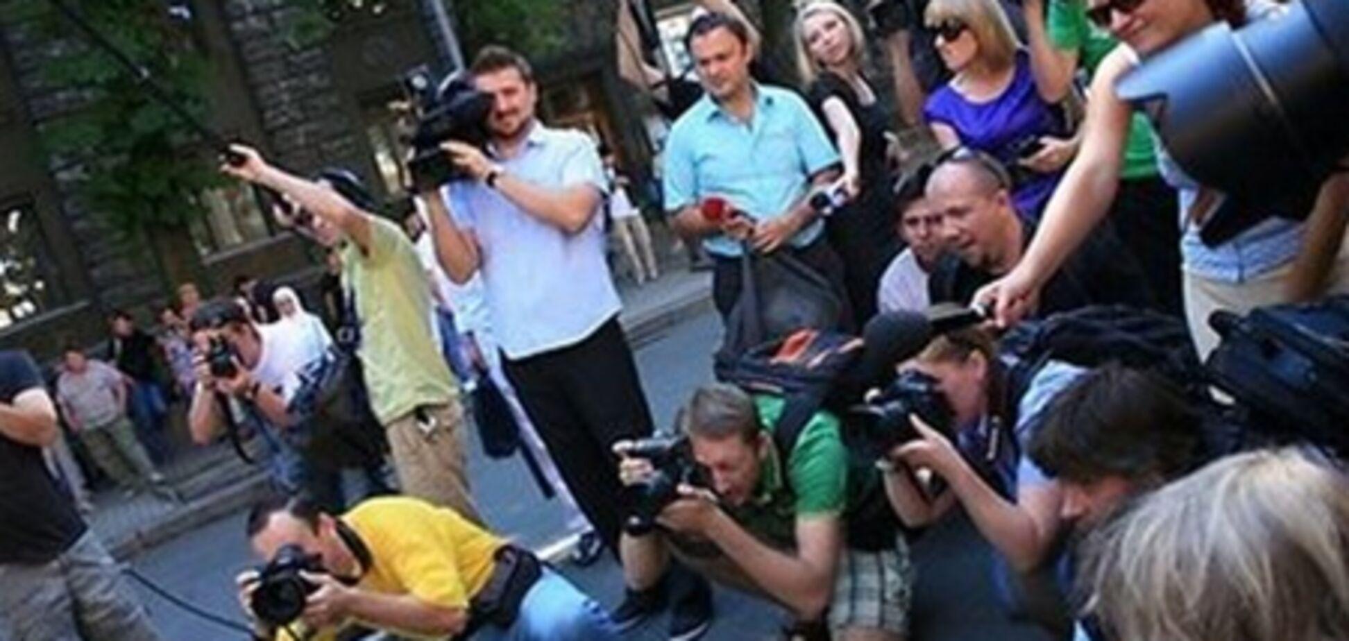 АП рассказала, как журналистам попасть в пул президента