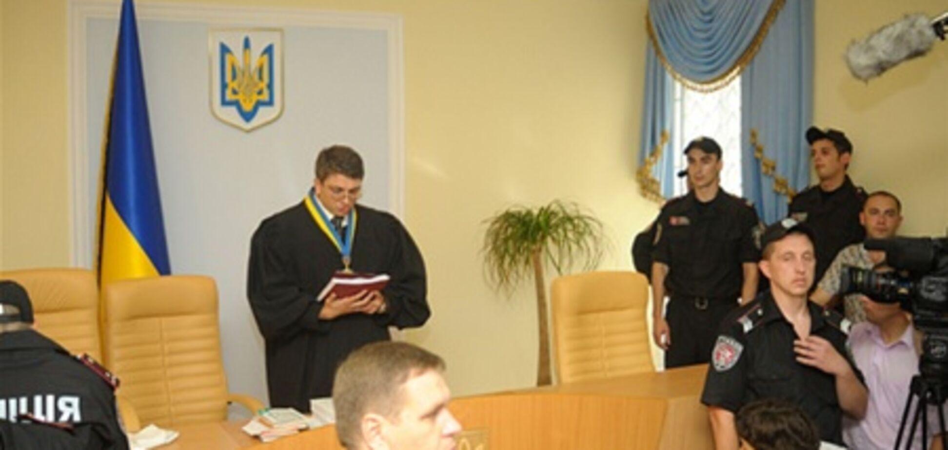 На суд против Тимошенко пришел атташе по правам человека Посольства США