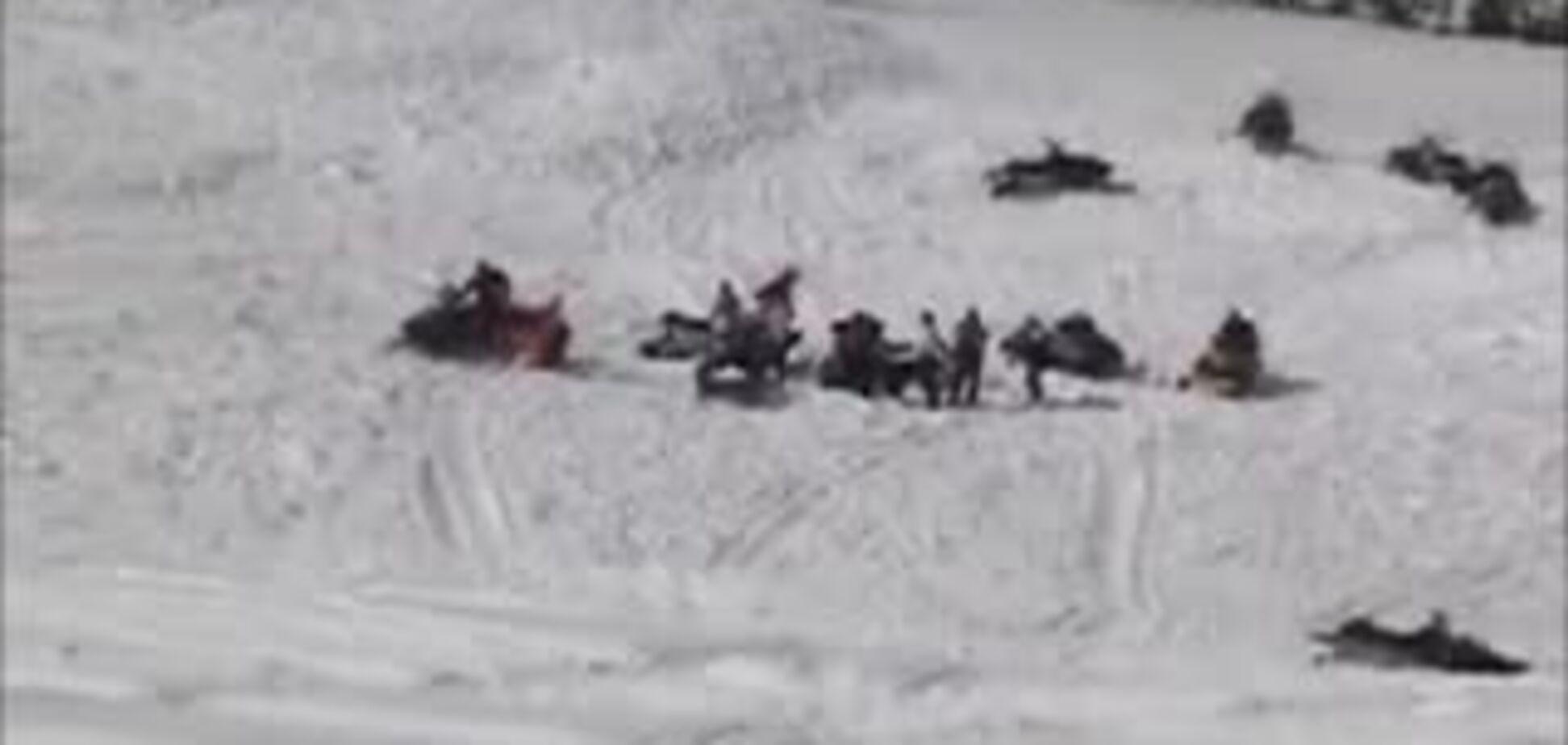 Как снегоход лавину вызвал