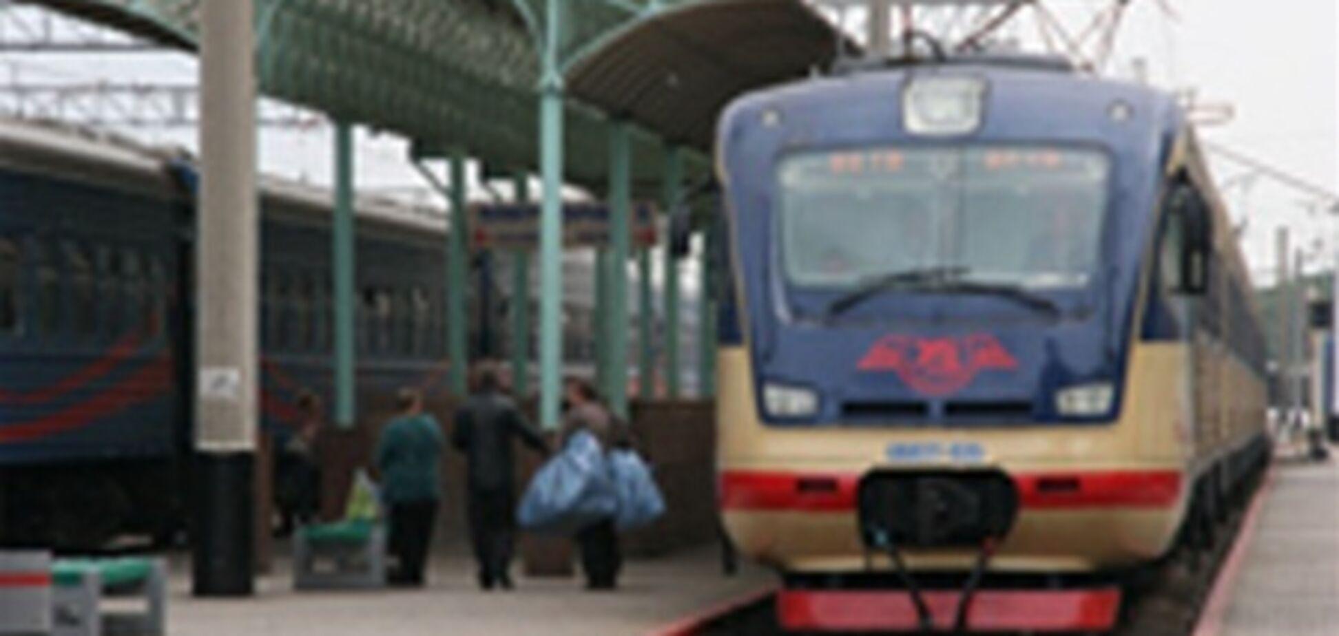 Туристы возят свои автомобили в Крым на поезде