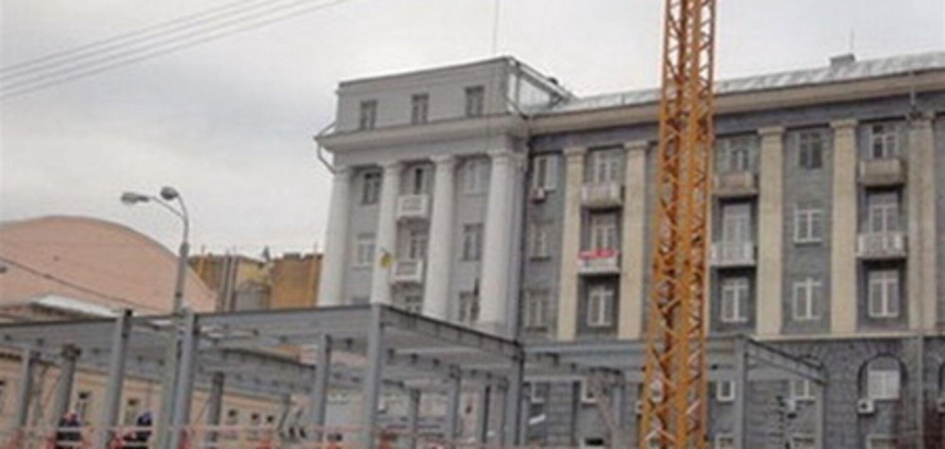 Стройку на Театральной признали незаконной