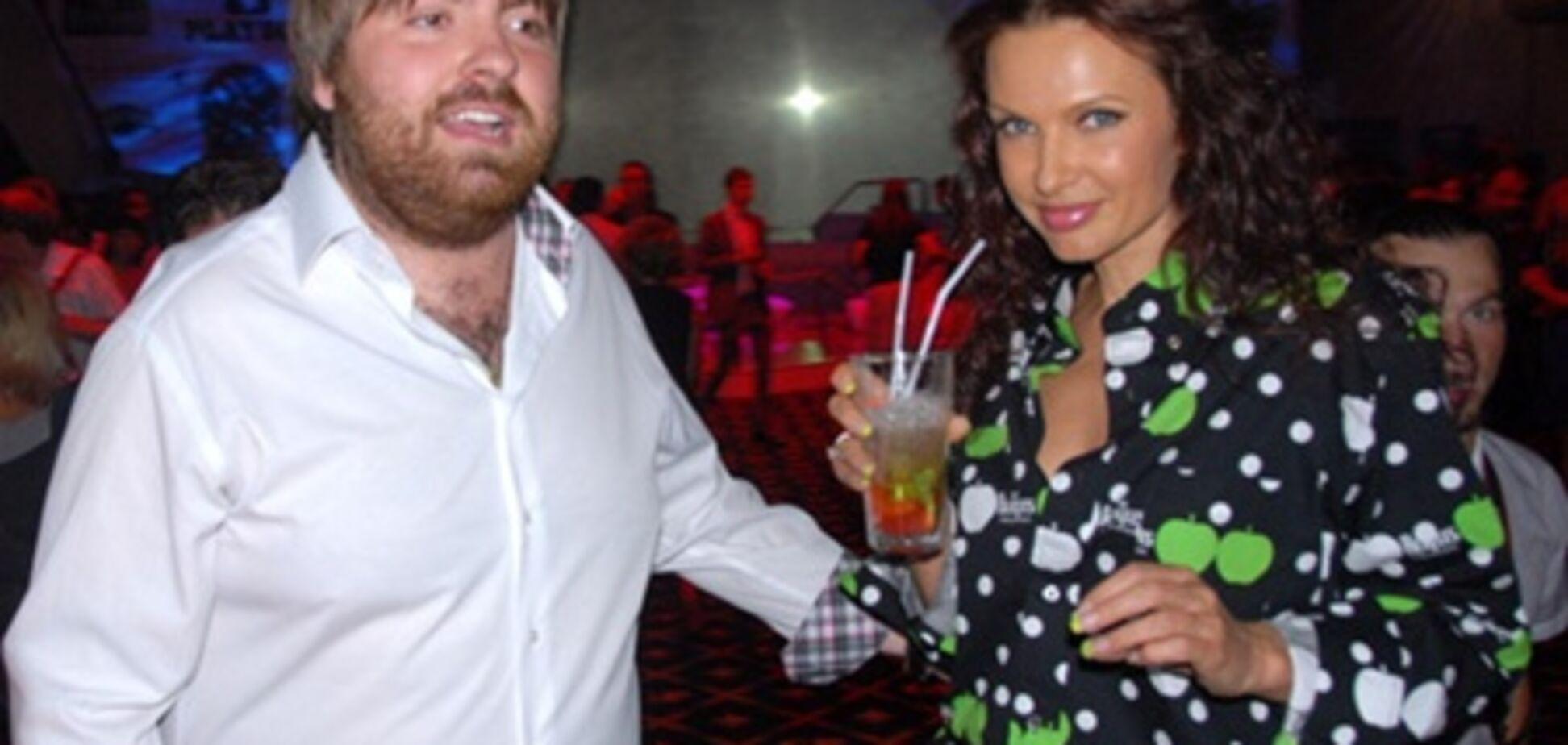 Беременная Эвелина Бледанс выходит замуж