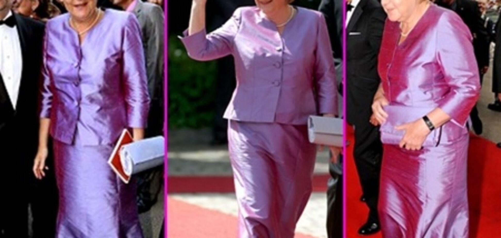 Ангела Меркель опозорилась в старом платье