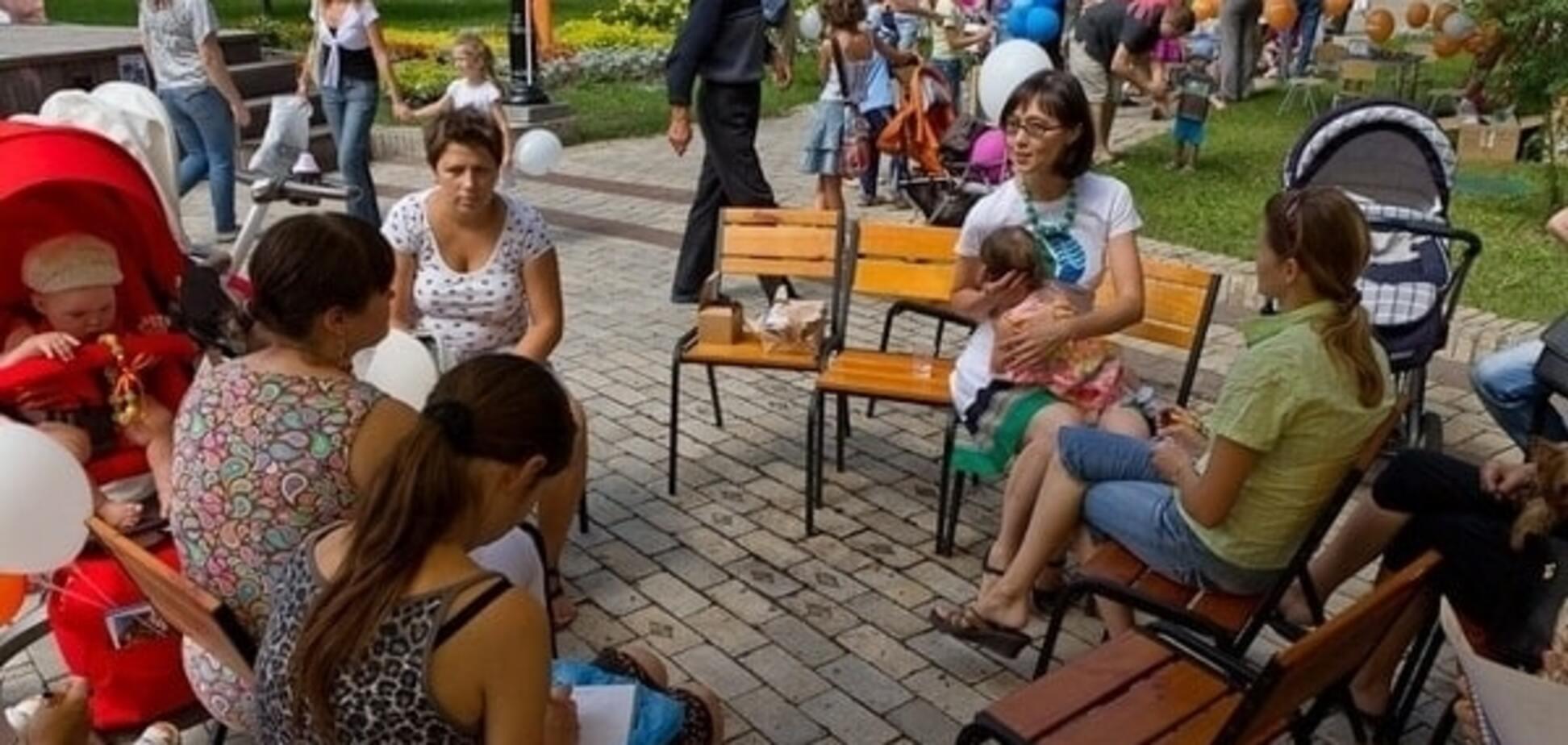 Встреча участников клуба mamaclub.ua на акции от ГПГВ 'Молочные реки' в поддержку грудного вскармливанния в г Киеве состоялась!