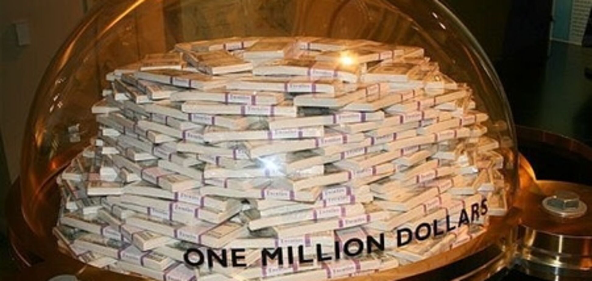 Сын американского миллионера выиграл в лотерею $100 млн