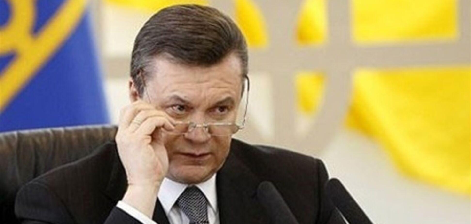 Янукович призвал украинцев Туркменистана возвращаться на родину