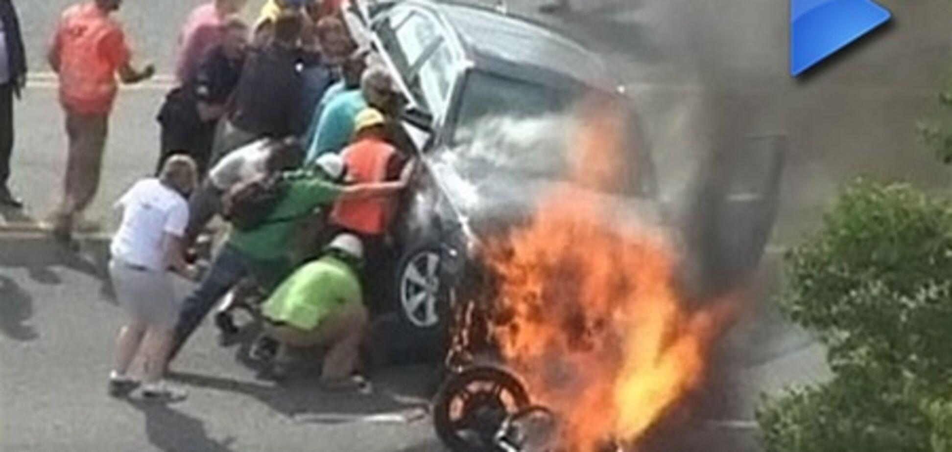 ОБОЗ.TV: прохожие вытащили мотоциклиста с того света