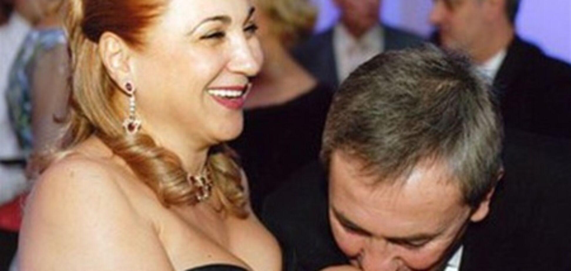 Жена  Черновецкого вернулась в Киев