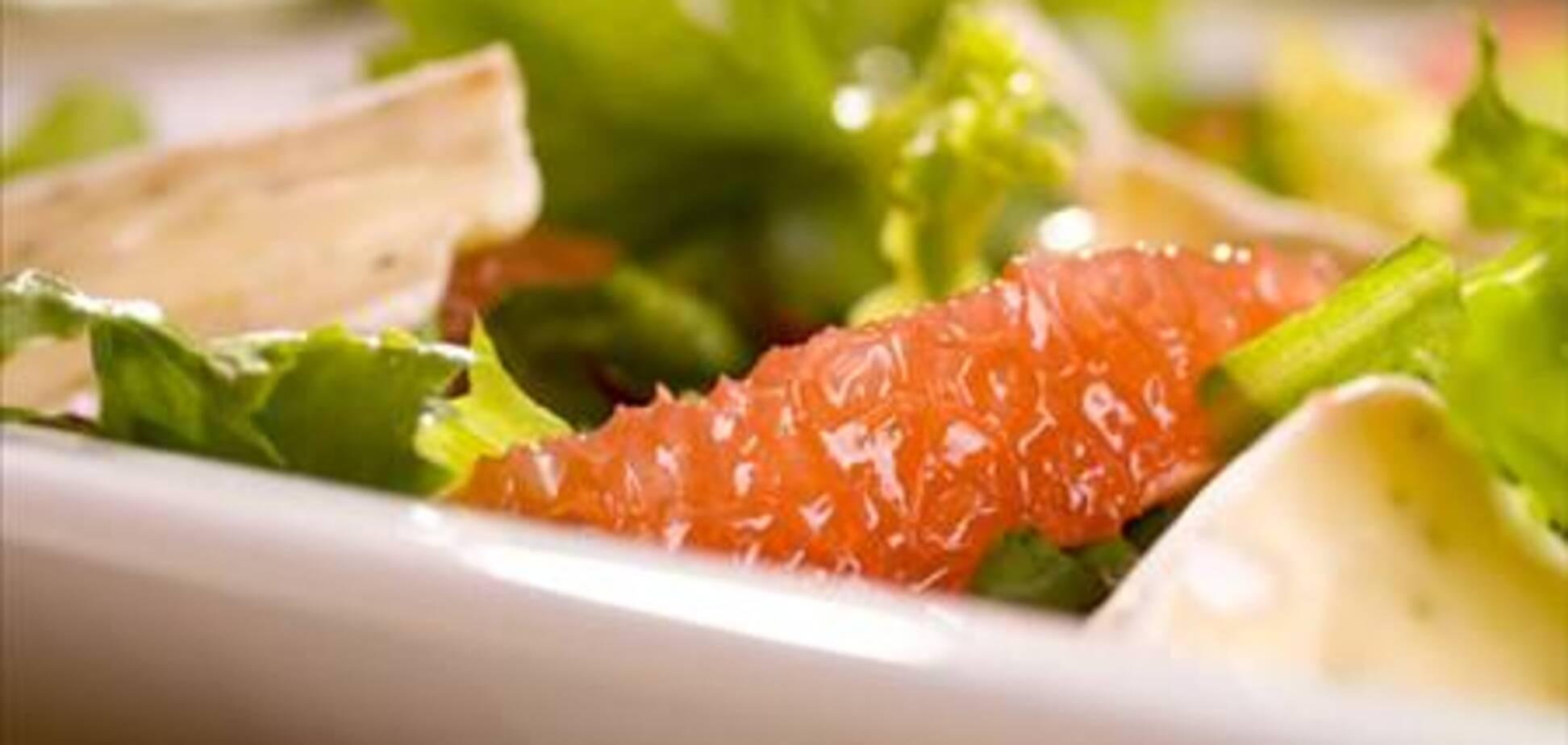 Кубинский салат с грейпфрутом и ветчиной