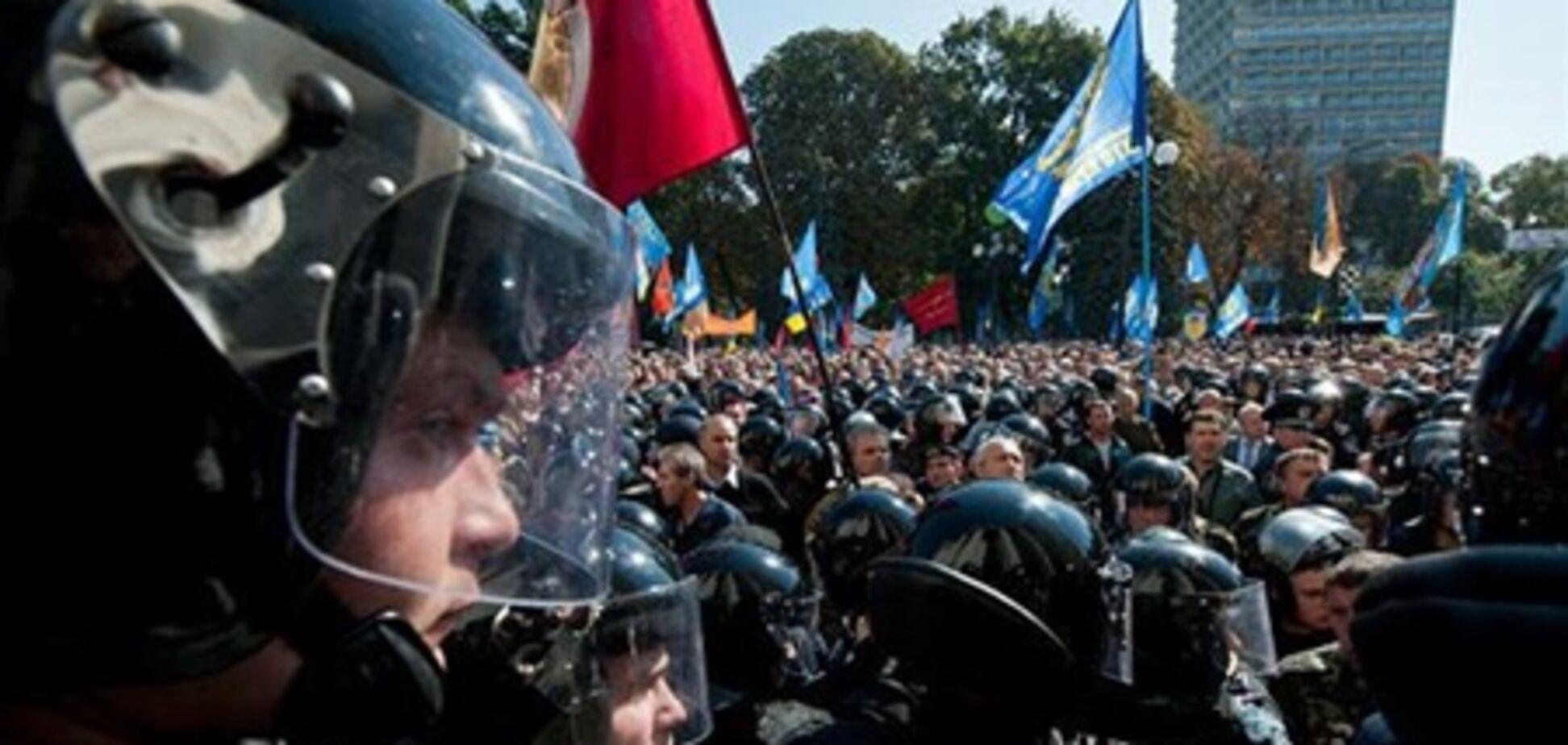 У міліції з'ясували, хто стоїть за штурмом Ради