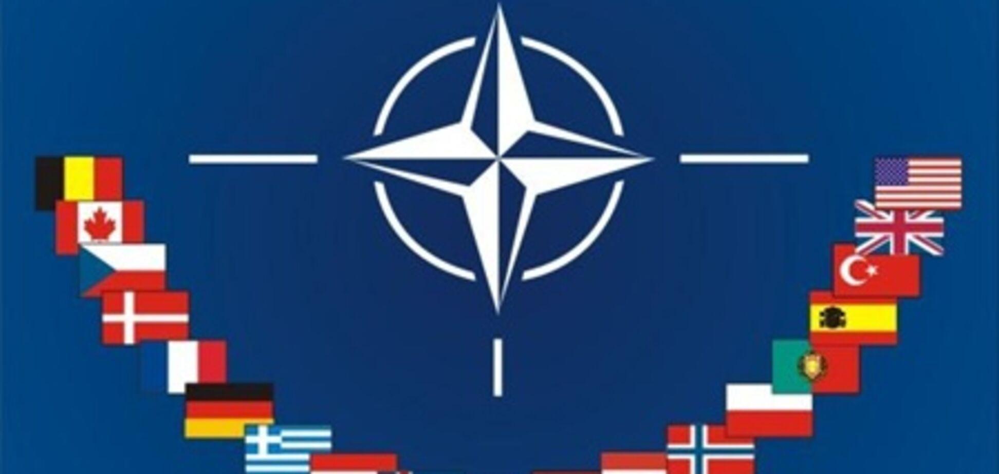 НАТО затримається в Лівії ще на 3 місяці