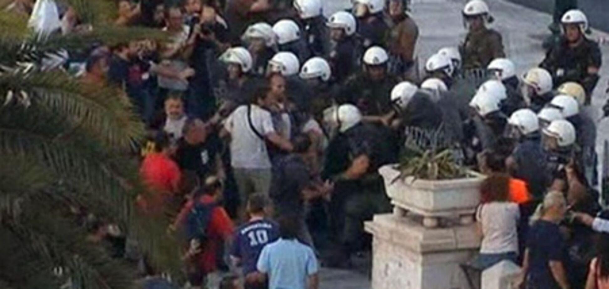 В Афінах протестувальники захопили офіс державної телекомпанії