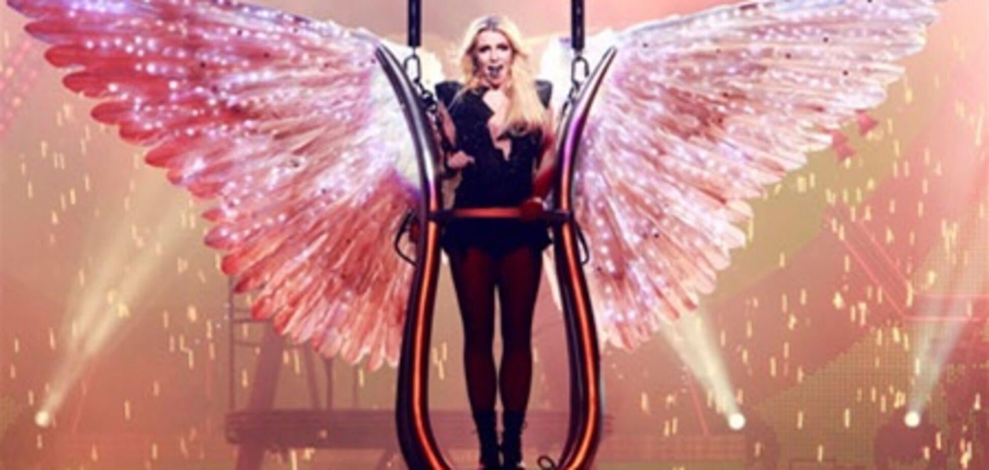 В Киеве у Бритни Спирс зажглись лампочки и 'выросли' крылья. Фото. Видео