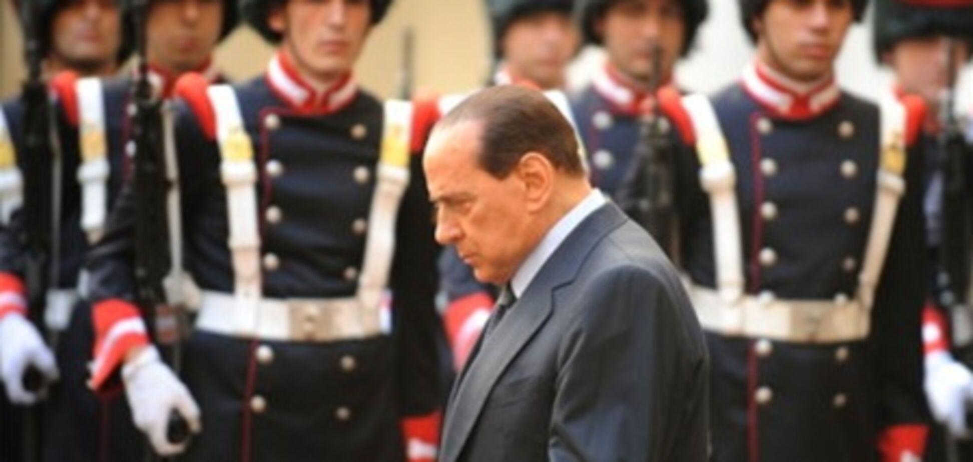 Ноябрь: непотопляемый Берлускони «утонул»