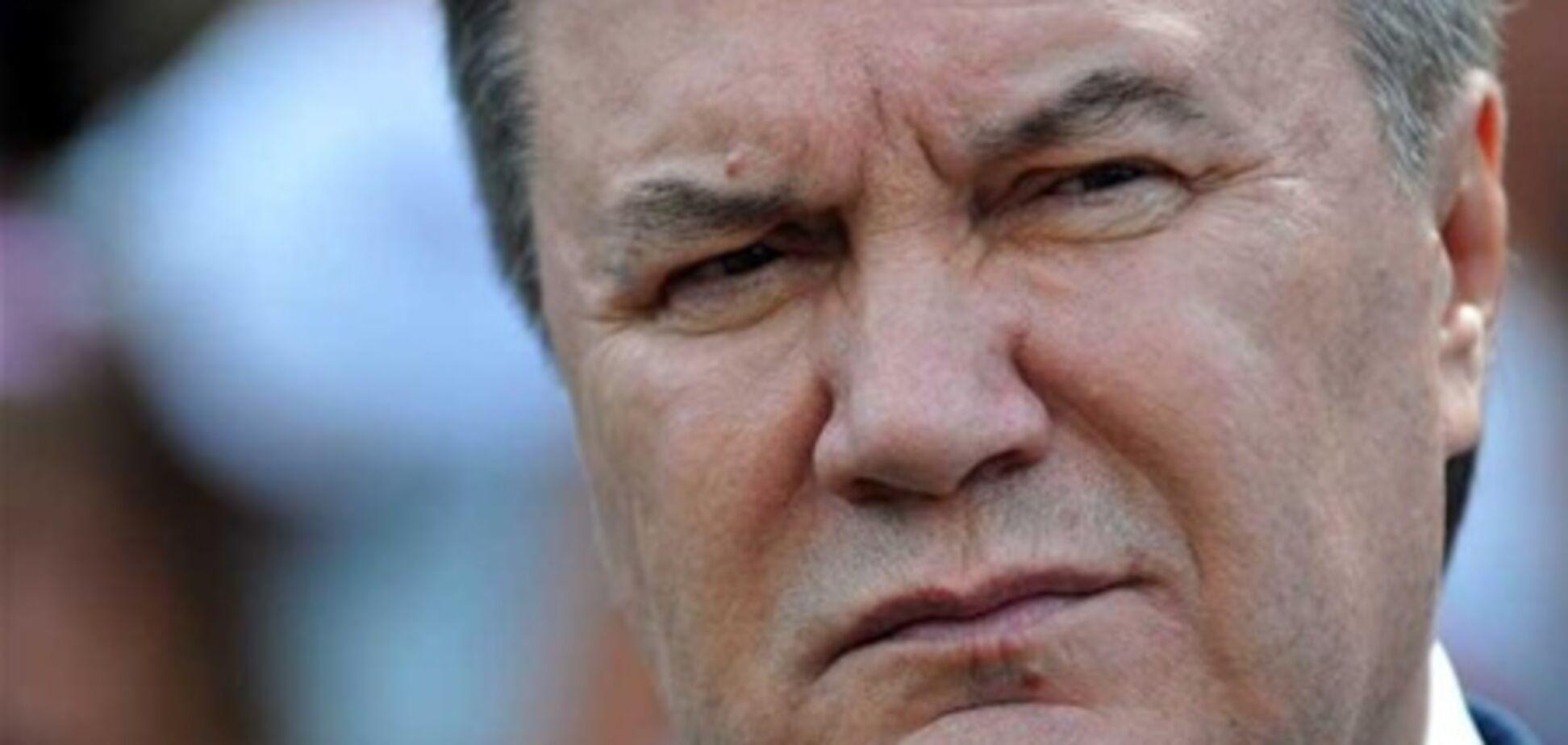 Янукович - недовольным министрам: пишите заявления, но назад дороги не будет