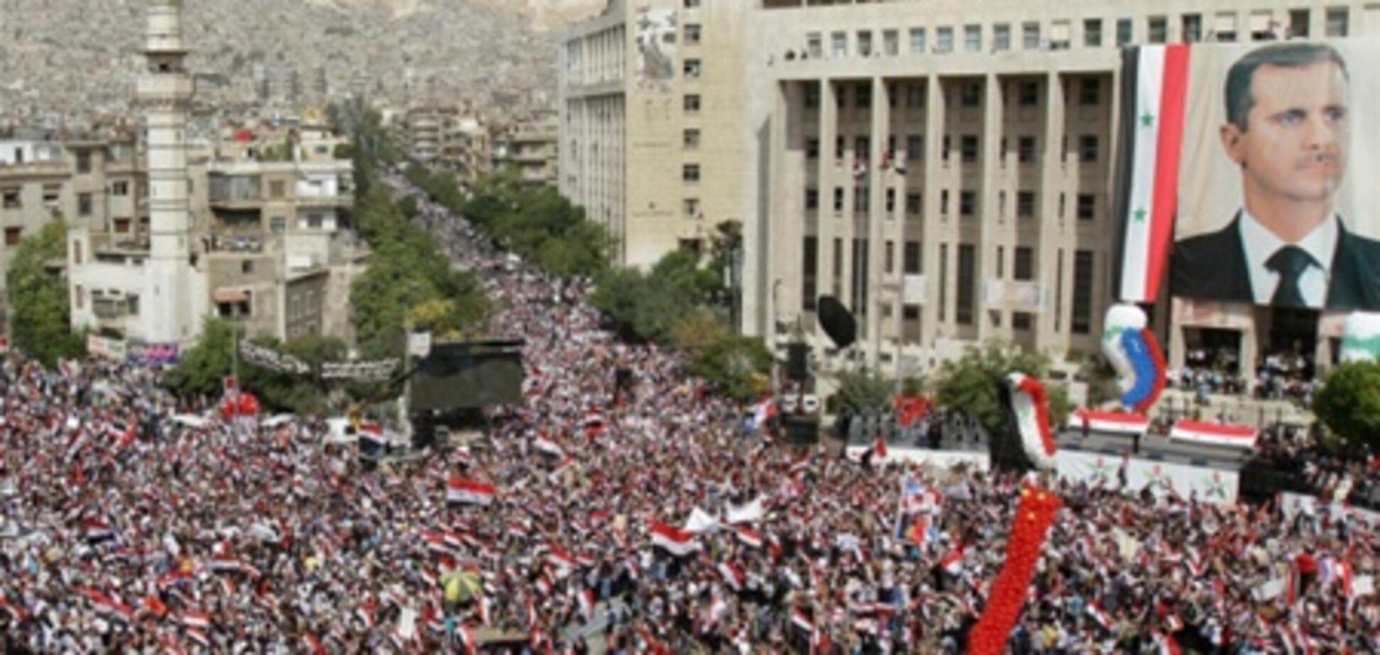 На масштабному мітингу в Дамаску Асад закликав своїх прихильників боротися