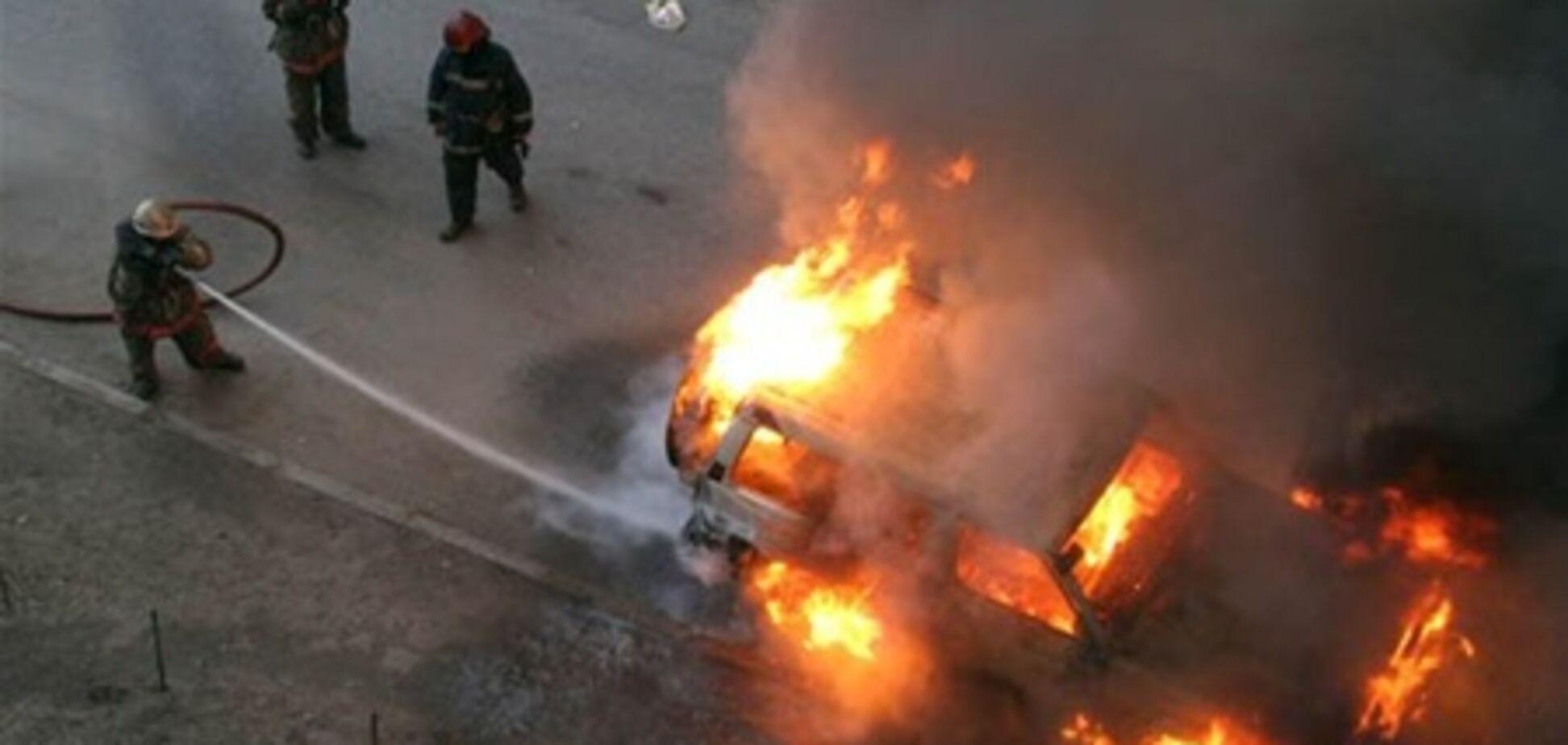 У Тегерані біля будівлі університету вибухнув замінований автомобіль