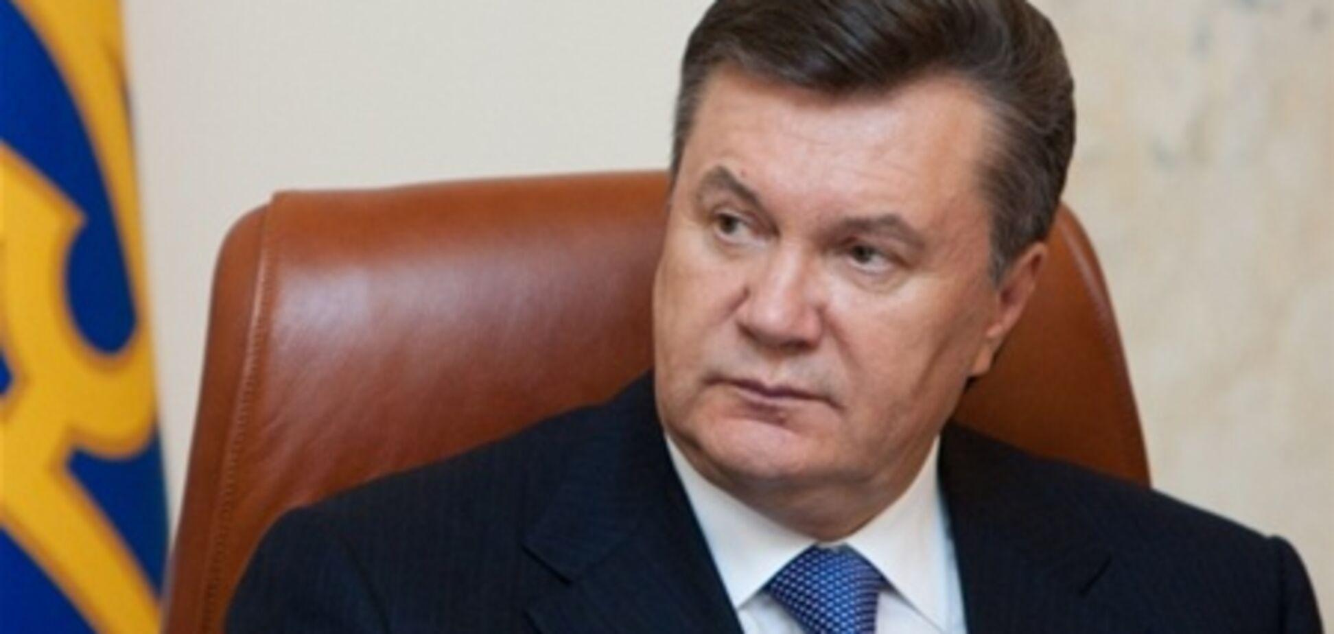 Янукович чекає від Азарова пояснень щодо 'повільних реформ'