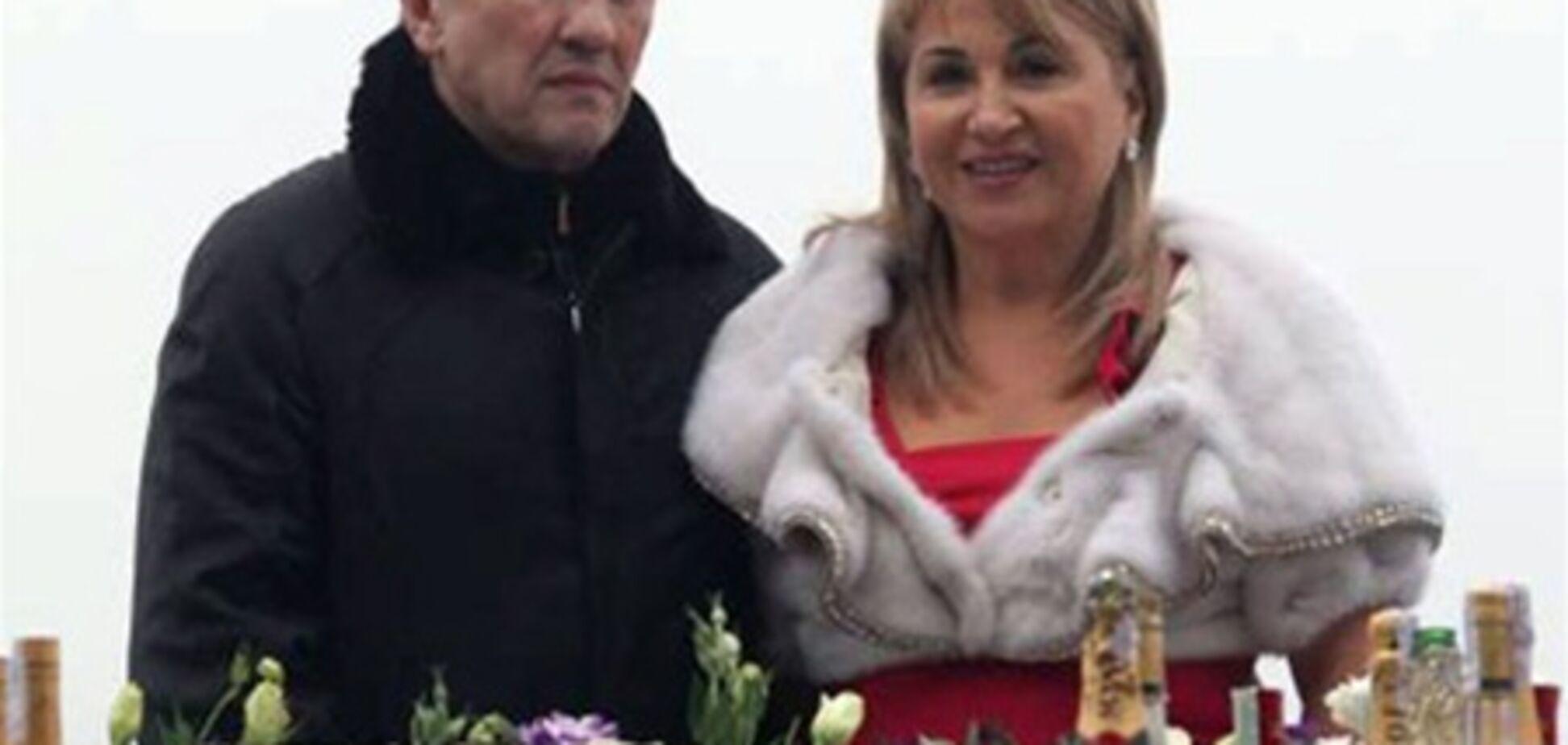 Развод Черновецкого, елка и немножко политики
